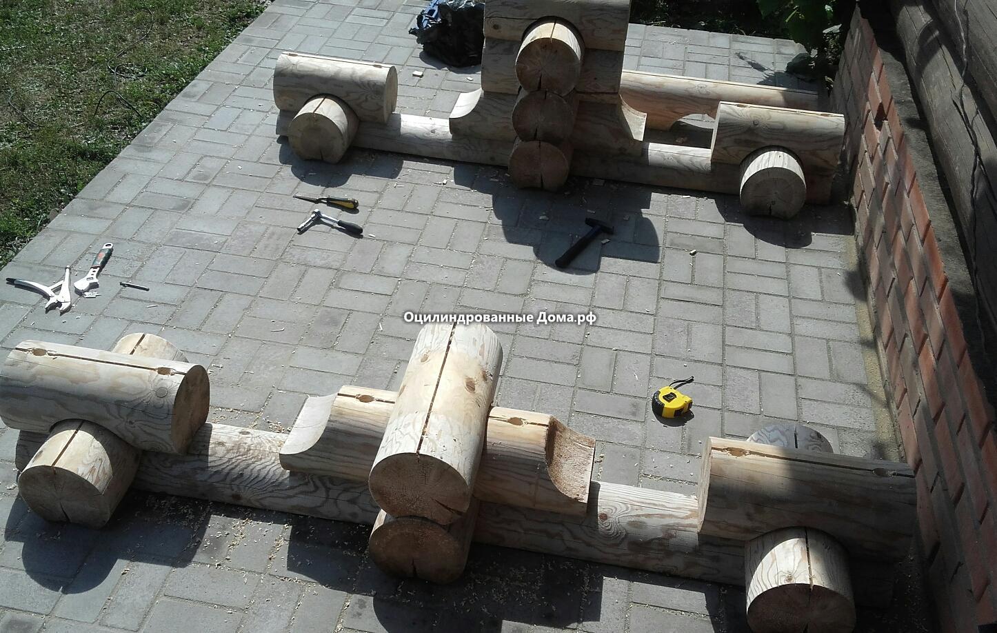 Сборка стола из бревна